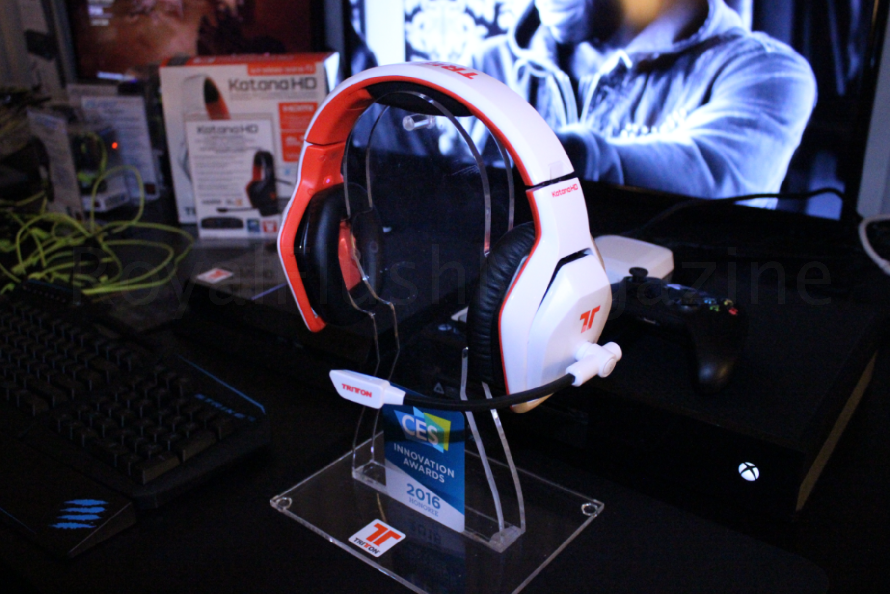 ces 2016 mad catz r a t 1 tritton katana e s pro 1. Black Bedroom Furniture Sets. Home Design Ideas